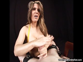 Former PRO wrestler milks sub cock during handjob