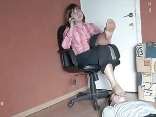 Smell polish nylon soles