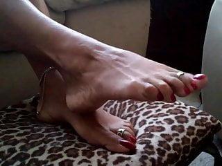 latina foot DOMINA