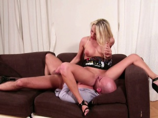 Step Mom Seduce Him to Let Cum Togehter When Home Alone