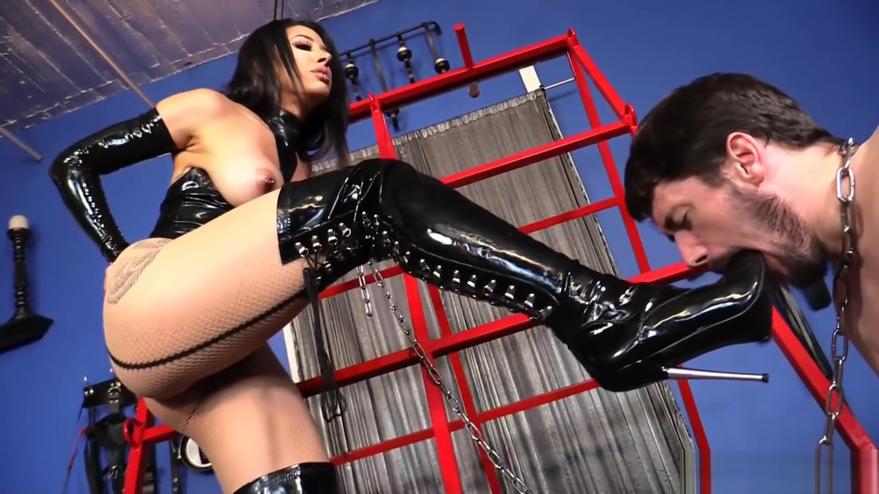 Mistress Tangent - Boot Servant
