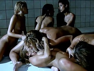 Six Lesbian-Beautys in Shower