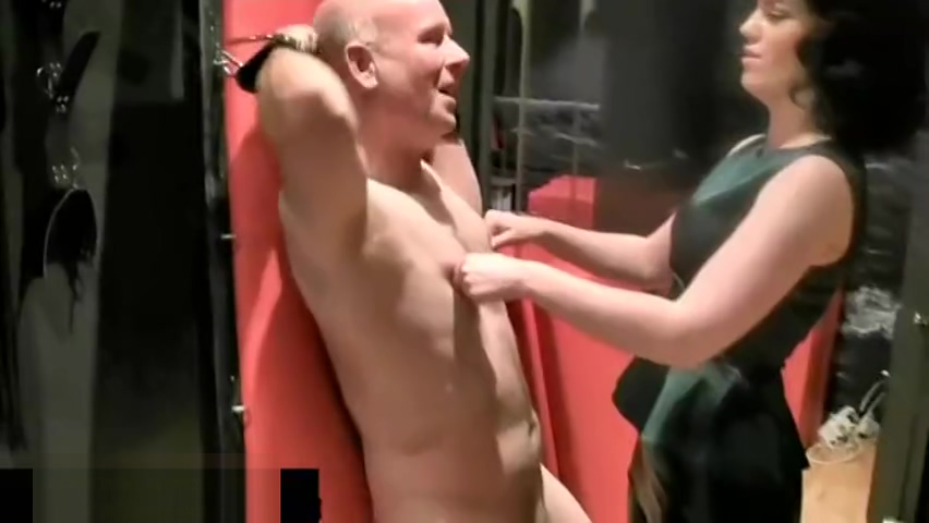 British Zoe Ballbusting in Dungeon