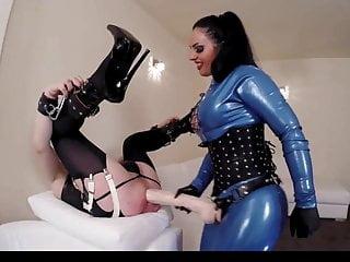 Latex mistress fuck male ass