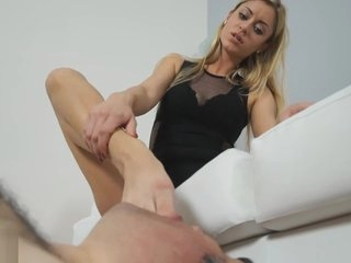 Sibilla Feet Worship