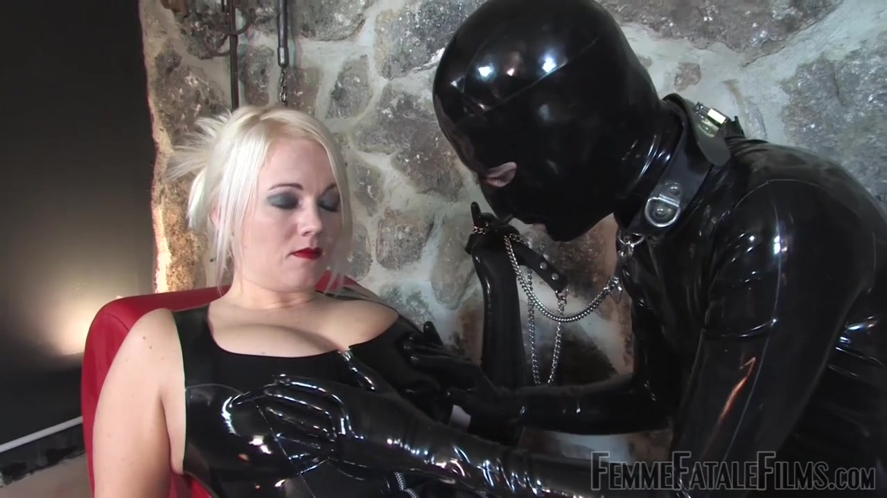 Latex Lick & Worship - KINK