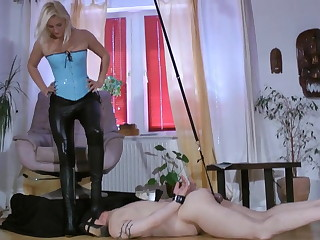 latex bitch dominates slave