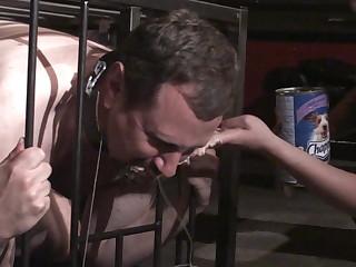 slave joschi get massiv humiliated in cage