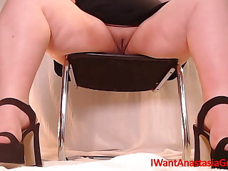 I need a slave for my sexy feet