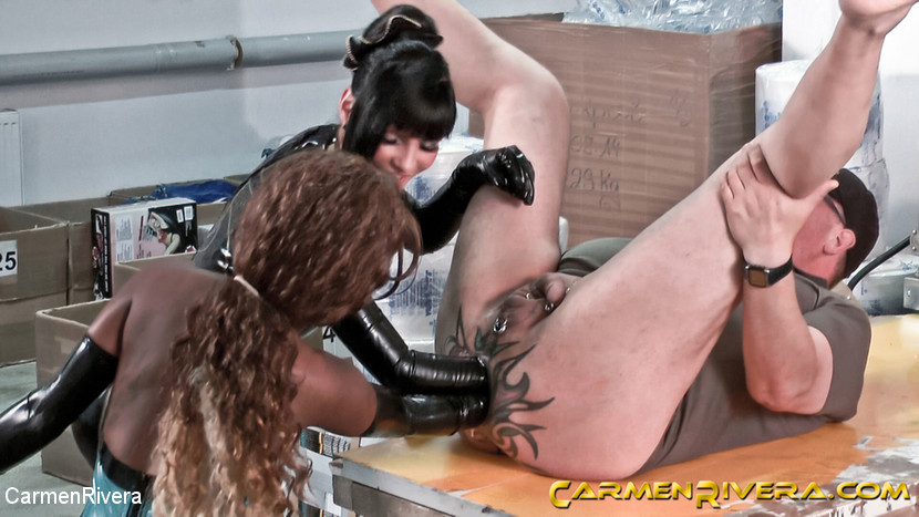 Dildo Shopping Queens: Chapter Three - KINK