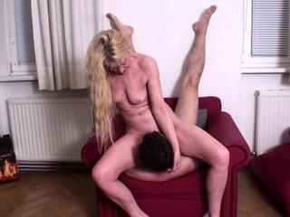 mature queen Andrea Train joschi in pussy licking