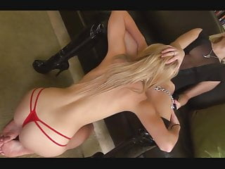 Submissive Girl Oral Service For Mistress
