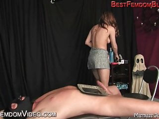 Milked and fed by beautiful Mistress Lydia