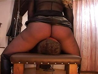 Mistress Facesitting 1