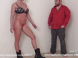 Muscle Girl Applying Headscissor Beatdowns Footfetish to Guy